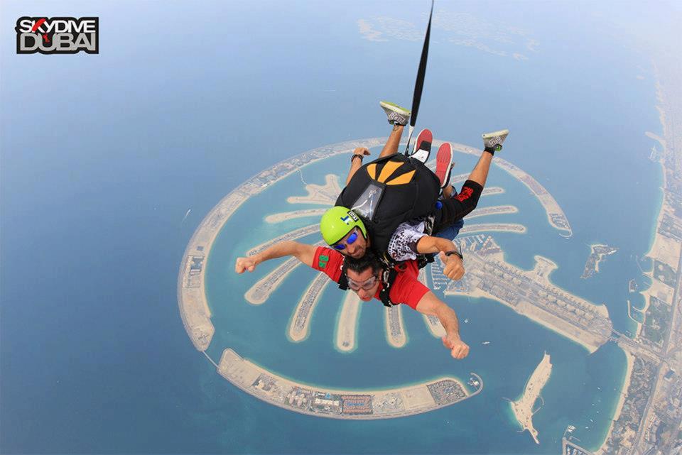 """صور باسم يوسف فى سماء دبى Bassem in SkyDiveDubai """"كاملة"""""""